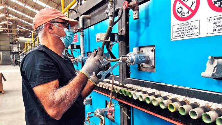 Aleluia Cerâmicas Esgueira Unit installs new high efficiency burners